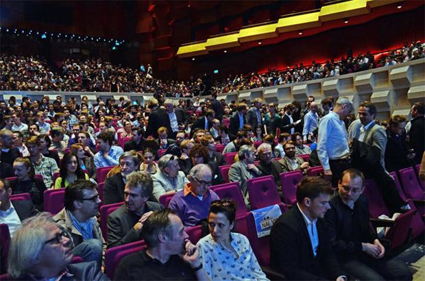 1750 stoelen uitverkocht    foto©RG